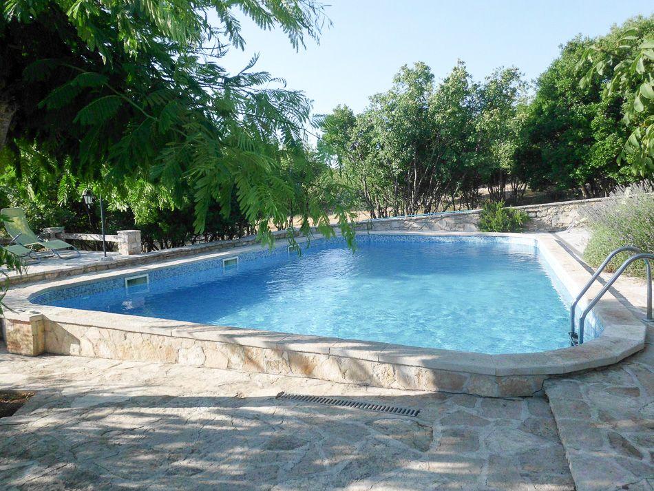 Kroati eilandhoppen in dalmati - Omtrek zwembad ...