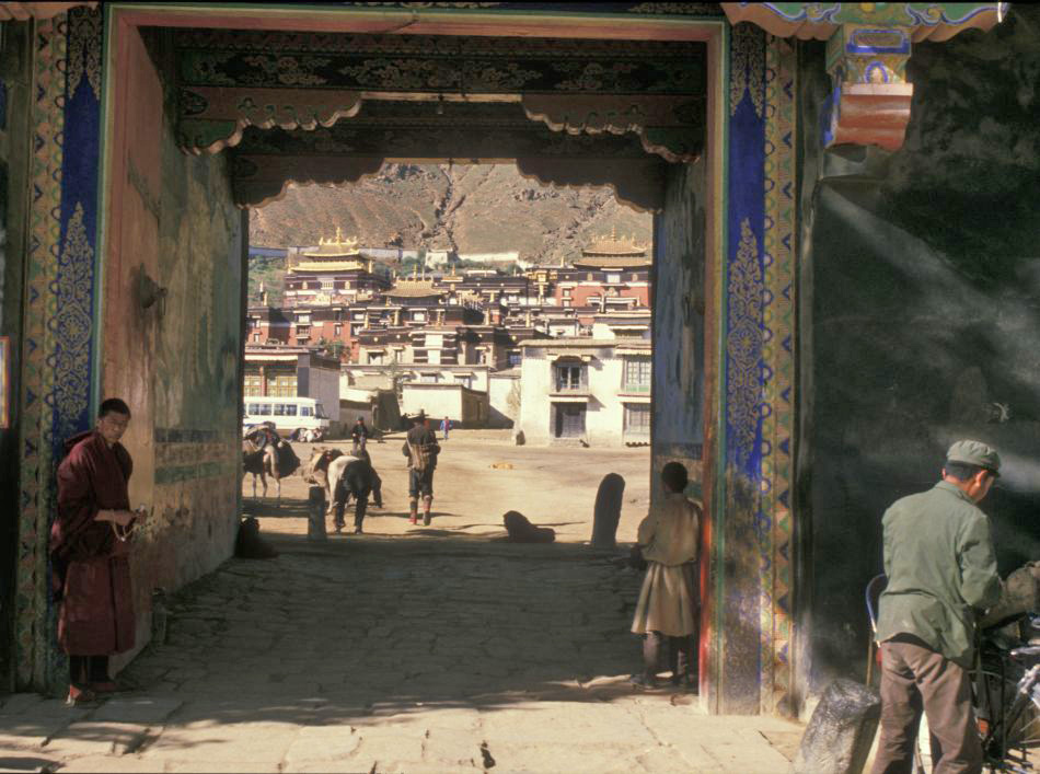 //www.andersreizen.be/eBusinessFiles/ImageFiles/fotos/CN1TBT/Tibet-Rob-Putseys-5_export_w950.jpg