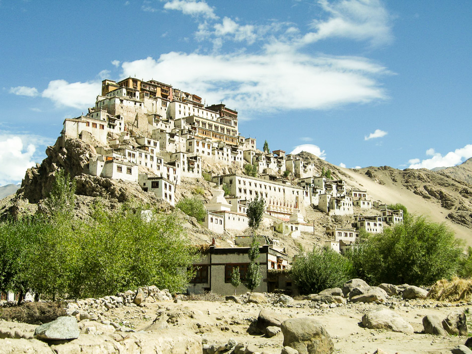 http://www.andersreizen.be/eBusinessFiles/ImageFiles/fotos/IN1KMA/02-Ladakh-06-Ann-Tilley-4_export_w950.jpg